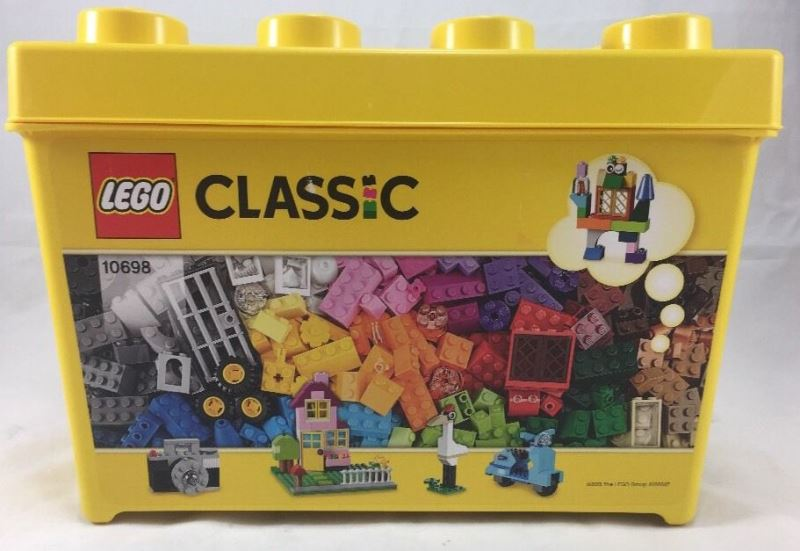 d9e714d21fdc LEGO Classic Large Creative Brick Box 10698 Review