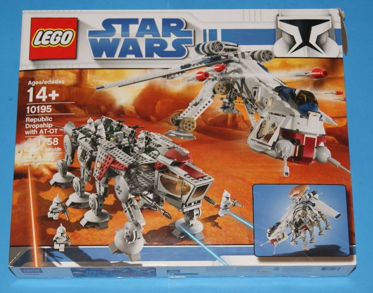 lego-10195-front-box