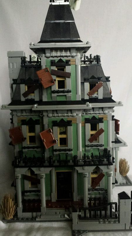 lego-haunted-house-10228