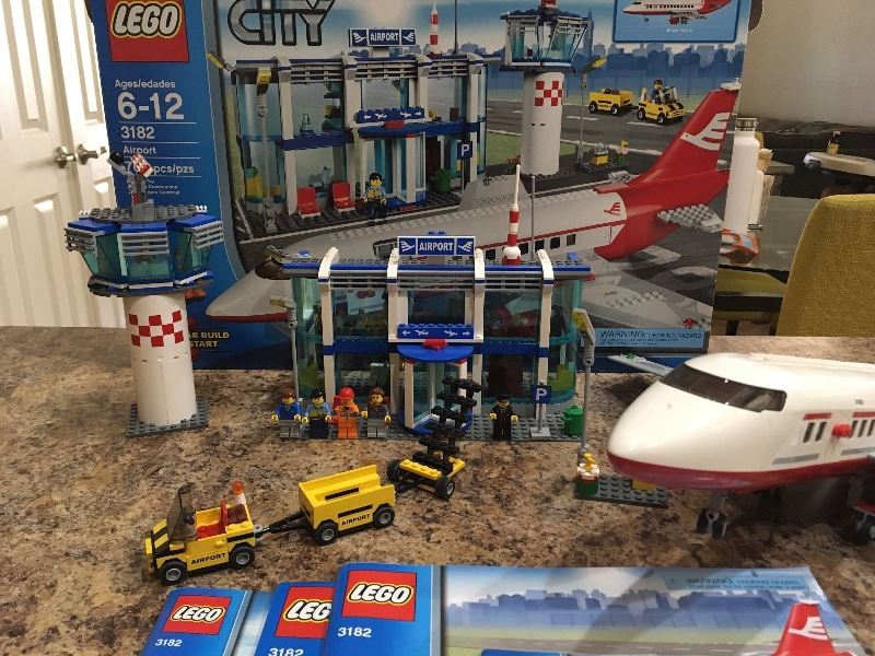 Lego City Airport 3182 Review