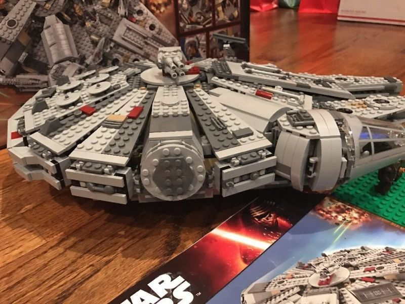 LEGO Star Wars Millennium Falcon shop
